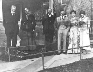 Byron Sanford and wife, Mollie Dorsey; son-in-law, Arthur Williams, his son, Albert, Sanford's daughters, Dora Belle and Clara 1910