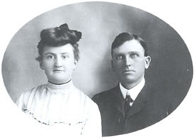 Abe Howarth Jr. and Carrie. 1900